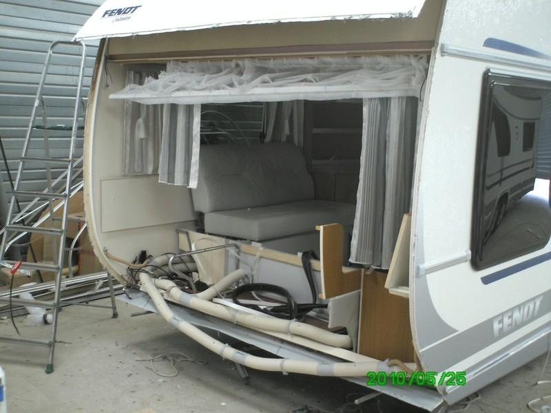 Caravane fendt tabbert lord service apr s vente r paration for Remplacement porte interieur